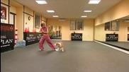 Жена танцува с куче Питбул!