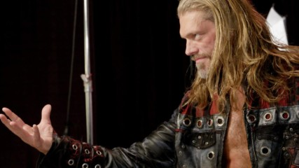 Edge celebrates his return to Raw with a photo shoot: WWE.com Exclusive, Jan. 27, 2020