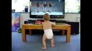 Бебе танцува на Beyonce