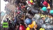 Непал: Спасяването на 15годишно момче от разрушена сграда в Катманду