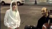 Lol Justin Bieber прави лунната походка на Michael