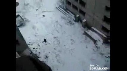 Ето как се забавляват лудите руснаци през зимата!