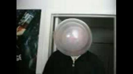 Едновременно Три Балона Един В Друг