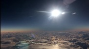 Вижте слънчевото затъмнение, заснето от самолет