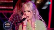 Гери-Никол като Christina Aguilera -