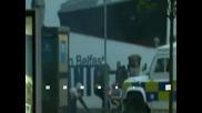 Десетки полицаи са ранени  при сблъсъци в Северна Ирландия