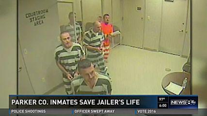 Затворници избягаха, за да спасят живота на надзирател
