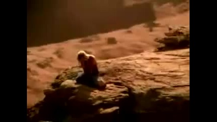 Bill Kaulitz пее песни на Britney Spears [много смях]