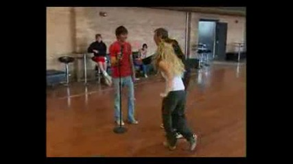 Youtube - High School Musical 2 - Rehearsal - You Are The Music - Rnr.avi
