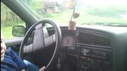 Иванчо на 4 годинки вече е шофьор ;p