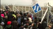 Сълзотворен газ срещу мигранти на границата между Гърция и Македония
