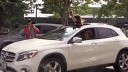 USA: Oakland car caravan protests police in city's schools