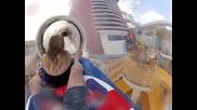 Забавна водна пързалка на кораба Disney Fantasy Cruise Ship