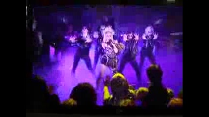 Lady Gaga singing - Oprah show