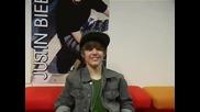 Justin Bieber mugging
