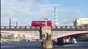 Джеки Чан взривява автобус в Лондон