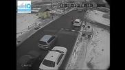 Яростни шофьори абсурдно преминават през охраняем Ж П прелез в Русия!