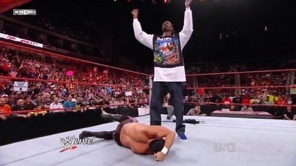 Wwe Raw:snoop Dogg , Horswoggle and Divas Dance !