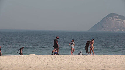 Brazil: Man detained as police start enforcing anti-COVID bathing ban on Rio beaches