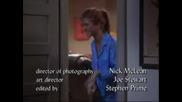 Приятели -Rachel плаши Joey с картината на Фиби,а Monicka плаши Rachel