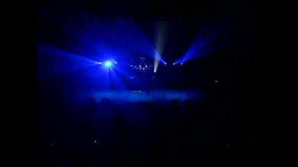 Three Days Grace - Scared (live)