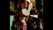 Bella Thorne... ;