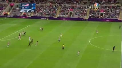 Olympics-женски футбол: Usa vs New Zealand / Alex Morgan vs Jenny Bindon