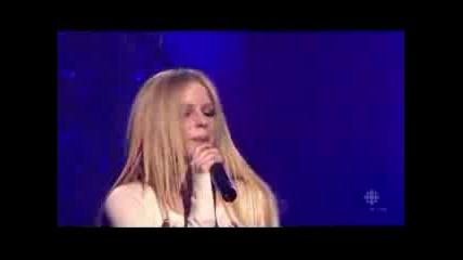 Avril Lavigne - Skater Boy (live) *hq*
