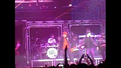 Justin Bieber - Baby - Birmingham (04/03/2011)
