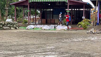 Myanmar: Funerals held for workers killed in landslide at jade mine in Hpakant