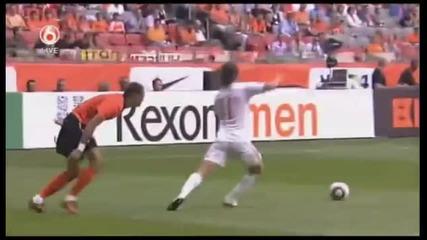 05.06.10 Холандия 6 - 1 Унгария:гол на Робин Ван Перси