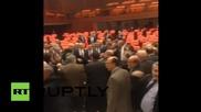 Бой в турския парламент, четирима депутати пострадаха -(1 част).