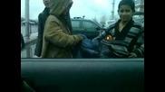 Цигани въртят кючеци пред Кат Пловдив
