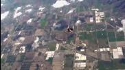 Луд скача от самолет без парашут!