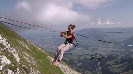 Switzerland: High-flying wire-walkers compete above the Swiss Alps
