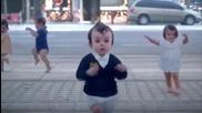 Реклама Евиан - открий детето в себе си