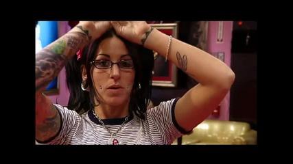 Kat Gets A Tattoo - La Ink