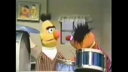 Bert & Ernie Tries Gangsta - Rap за олигофрени
