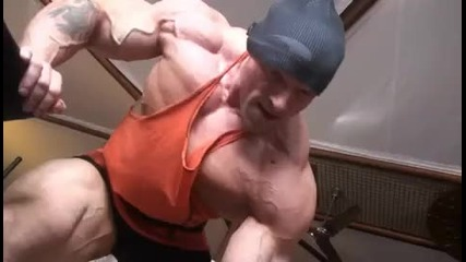 huge german bodybuilder training