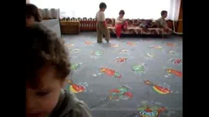 Кико В Детската Градина
