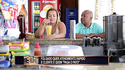 Смешна Скрита Камера - Folgado perde a linha em lanchonete e cliente