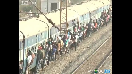 Как се пътува с влак в Индия:)