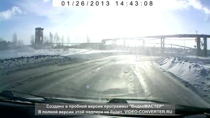 Танк Изскочи на Пътя в Русия