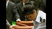 Човек прави опит за самоубийство в Румънският парламент!