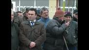Ягодовци блокираха пътя Пловдив - Ягодово
