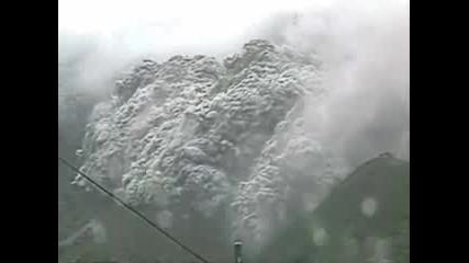 Изригване На Вулкан - Невероятно