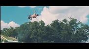 Върховно изживяване с 30-метрови водни пързалки