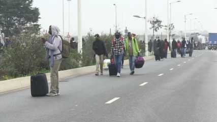 France: Thousands continue pour out of Calais camp as eviction proceeds
