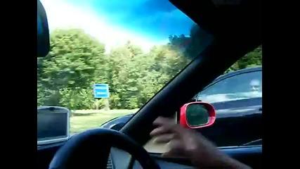 Bmw M6 G-power се гаври с Ferrari 355 Spider на пътя
