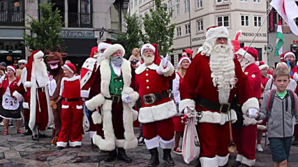 Christmas comes early as Santas gather for World Congress in Denmark
